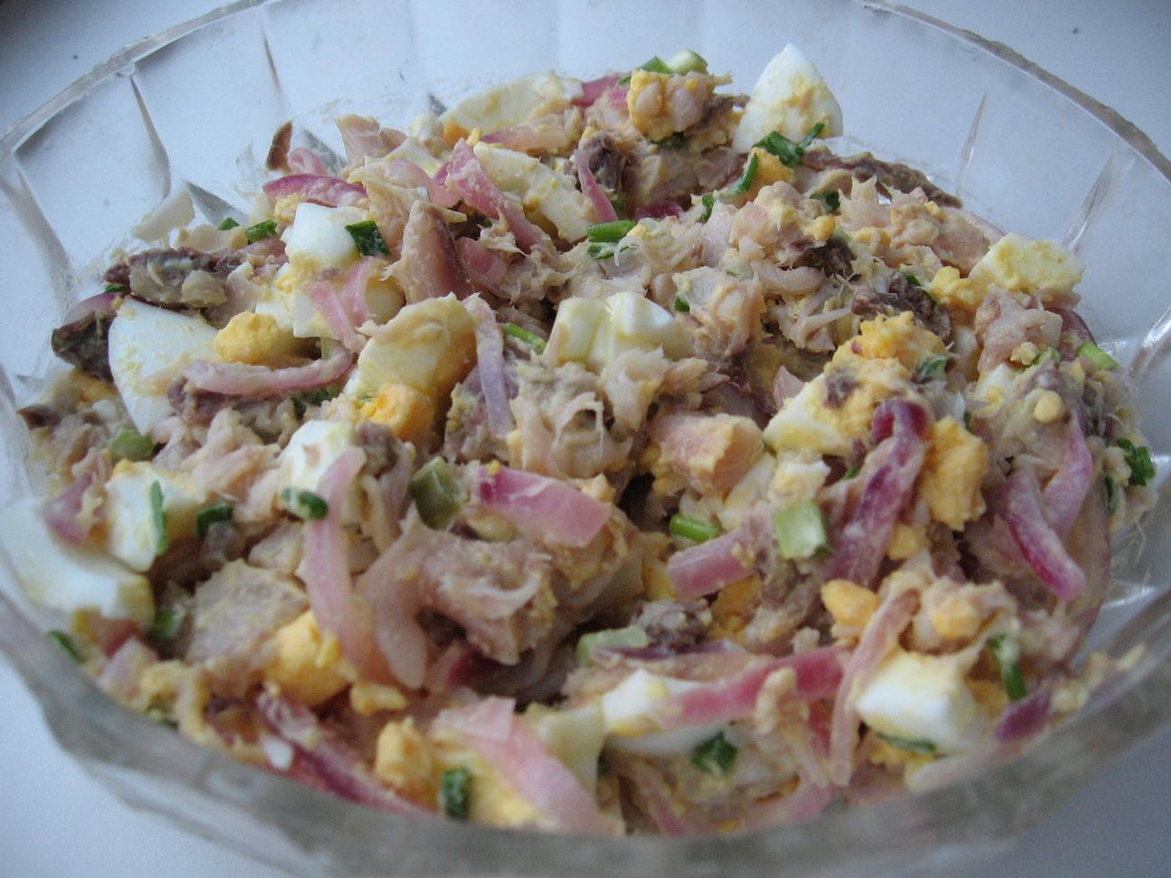 Салат с красной рыбой - 64 рецепта приготовления пошагово 12